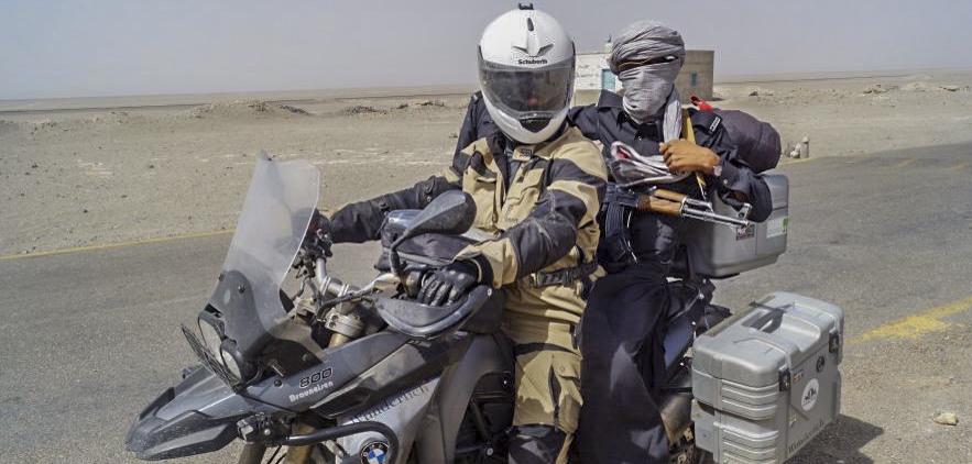trampende Eskorte in Pakistan