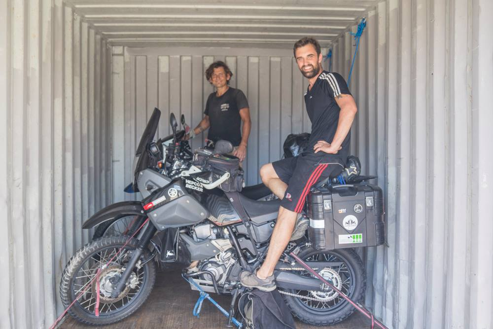 Motorrad im Container - Fayus pleite