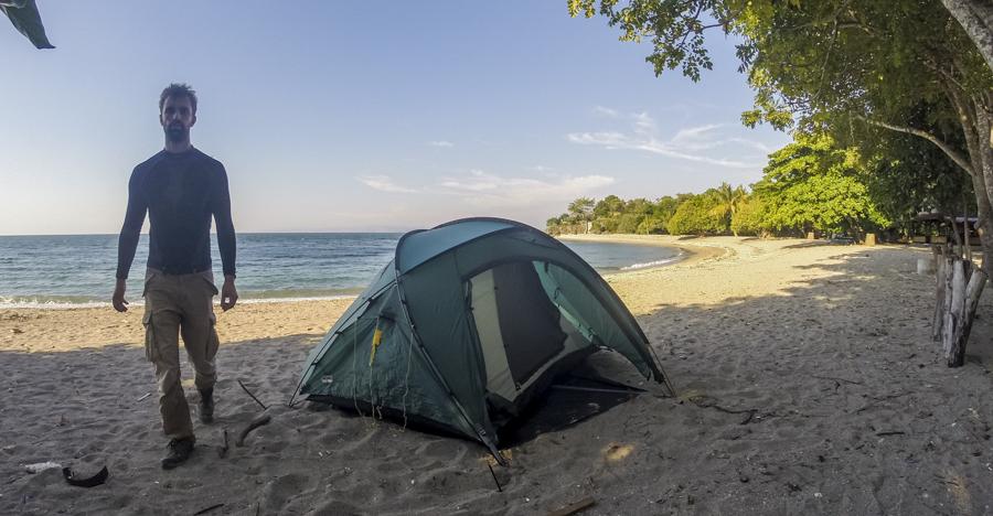 motorrad camping am strand